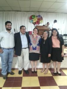 Con familia Pastoral en Santa Rosa, Ira Iglesia Amigos